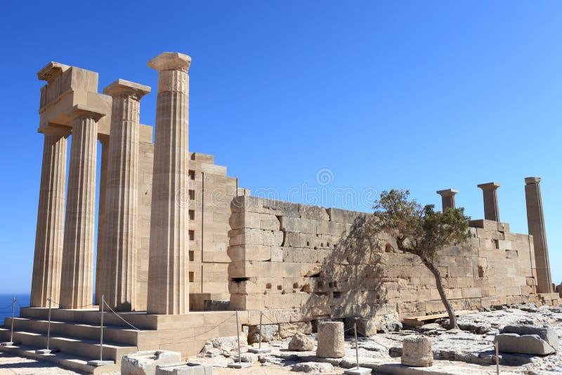 Templo Doric da opinião de Athena Lindia fotografia de stock