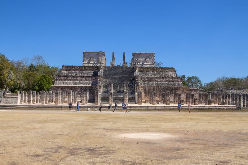 Templo dos guerreiros em Chichen Itza, Iucatão, México imagens de stock