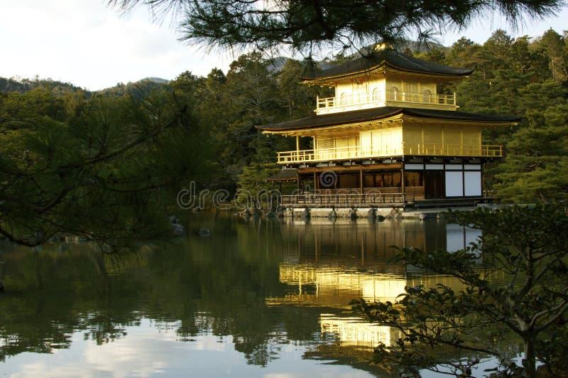 Templo dourado de Kyoto (Kinkaku-ji) fotos de stock royalty free
