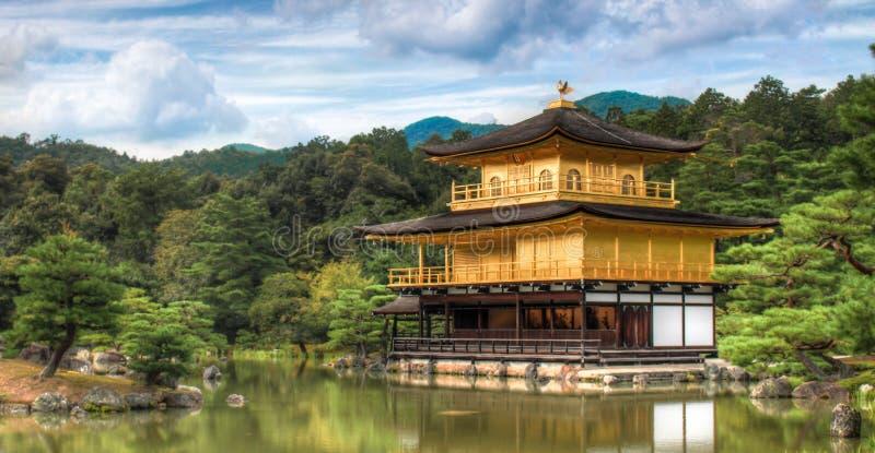 Templo dourado em Kyoto fotografia de stock royalty free