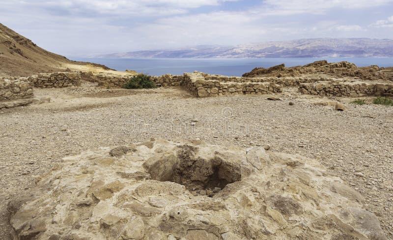 Templo e altar de Chalcolithic acima do Mar Morto em Israel imagens de stock