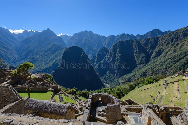 Templo e montanhas de Machu Picchu Sun imagens de stock royalty free