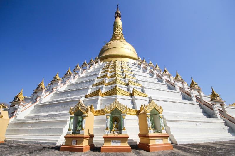 Templo e pagode em Bago, Myanmar foto de stock