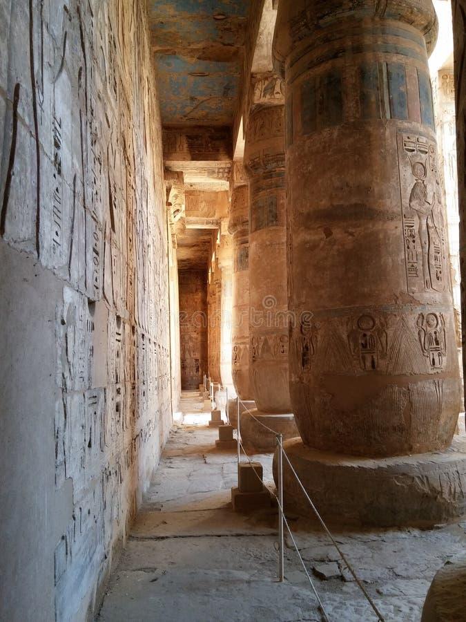 Templo egipcio imagenes de archivo
