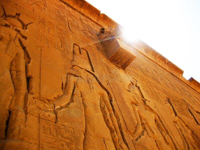 Templo em Dendera - detalhe de Hathor fotos de stock