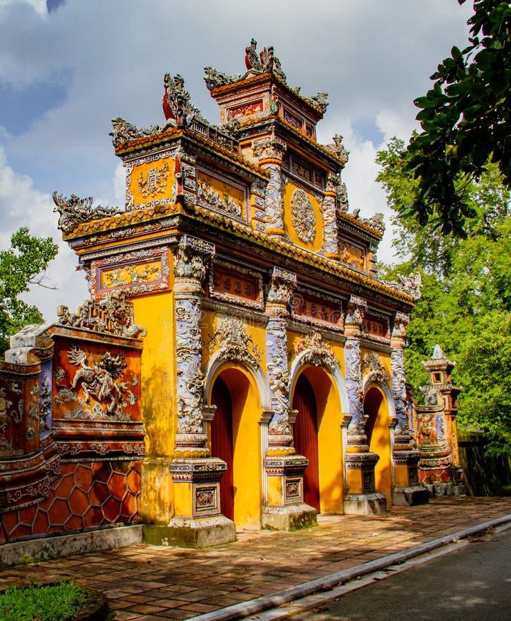 Templo em Hue Ann, Vietname fotografia de stock royalty free