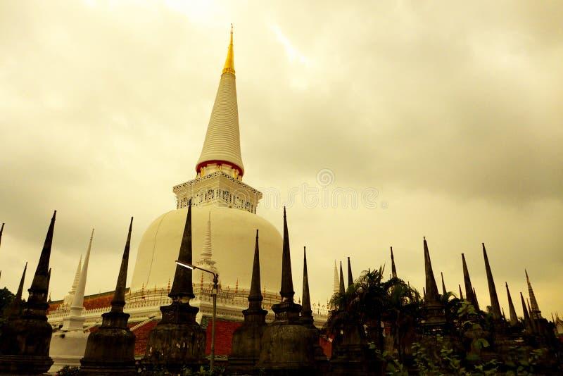 Templo en el sur de Tailandia fotografía de archivo libre de regalías