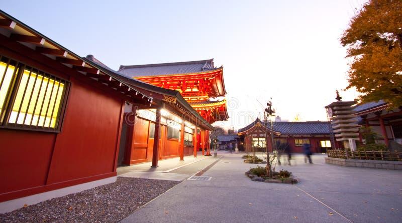 Templo en Japón, estructura colorida foto de archivo
