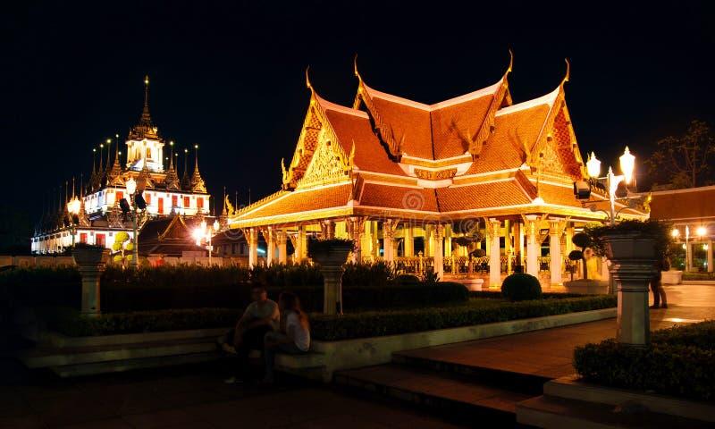 Templo en la noche imágenes de archivo libres de regalías