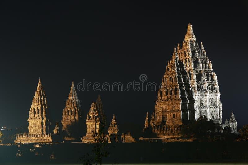 Templo en la noche, Yogyakarta Indonesia de Prambanan imagen de archivo
