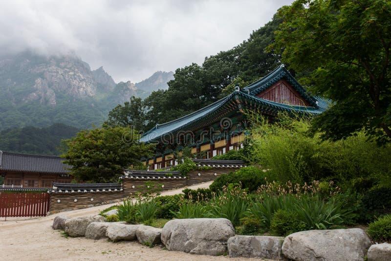 Templo en las montañas fotos de archivo