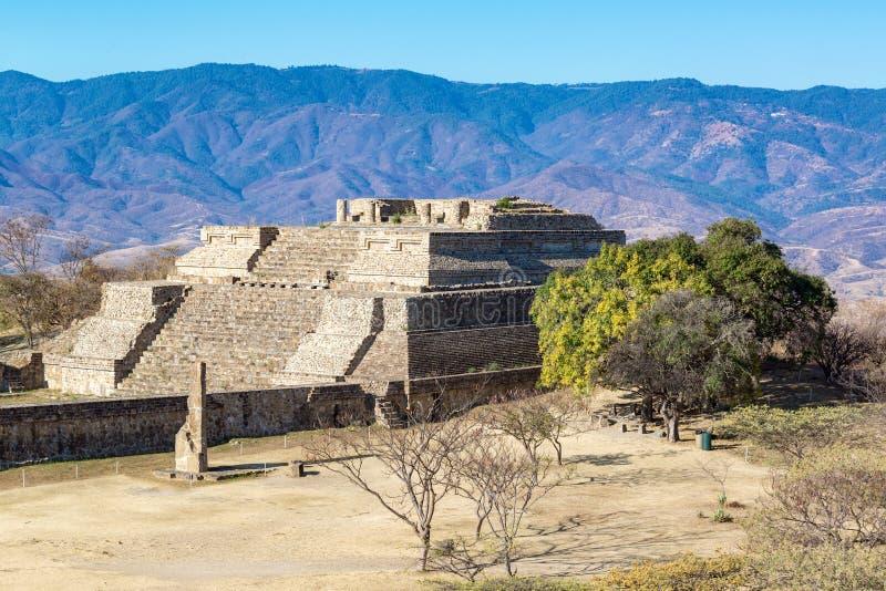 Templo en Monte Alben fotografía de archivo libre de regalías