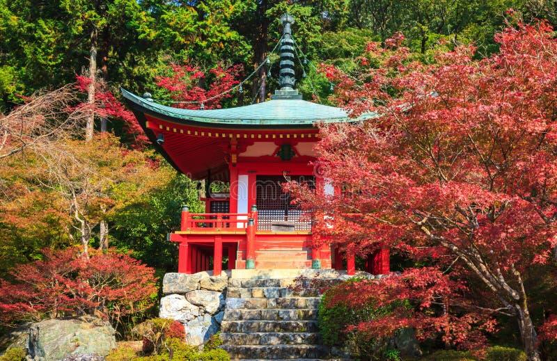 Templo en otoño, Kyoto, Japón de Daigoji foto de archivo