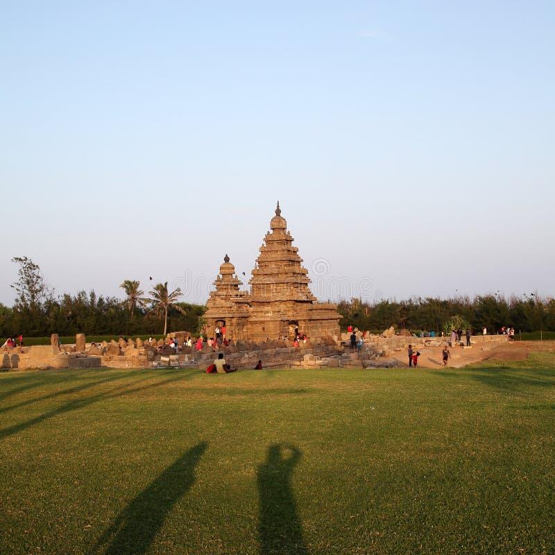 Templo famoso Mahabalipuram da costa, Tamil Nadu, Índia imagem de stock