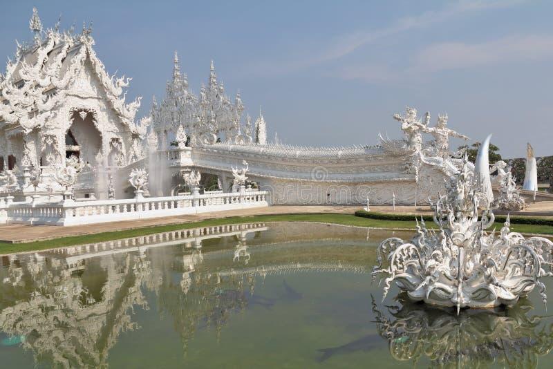 Templo fantástico del blanco de la belleza