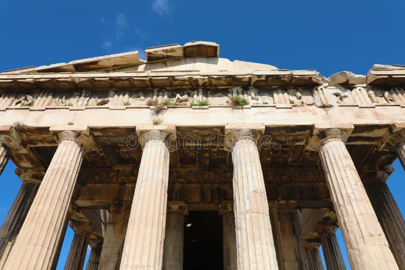 Templo griego en Athenas Templo de Hephaestus en el ágora antiguo de Atenas, Grecia imagenes de archivo
