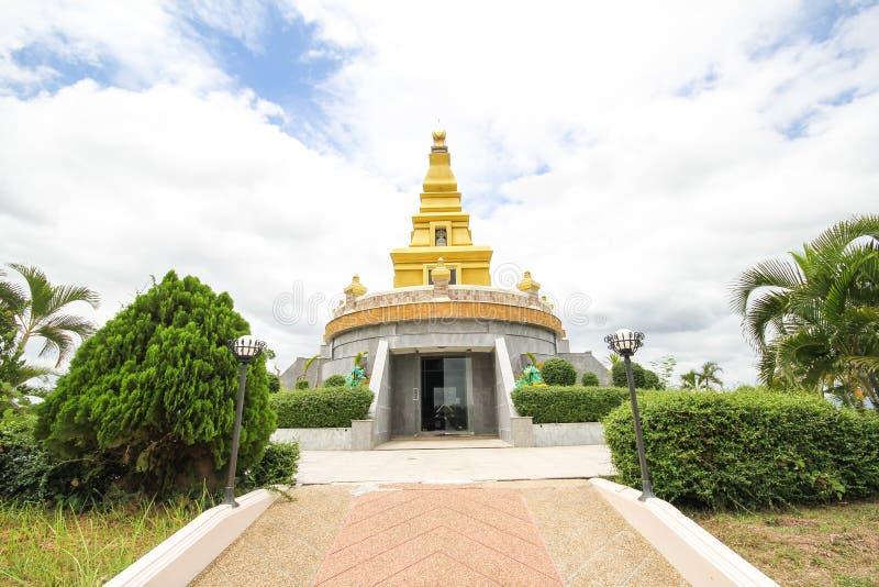 Templo hermoso en la provincia de Nong Bua Lamphu, Tailandia imagen de archivo libre de regalías