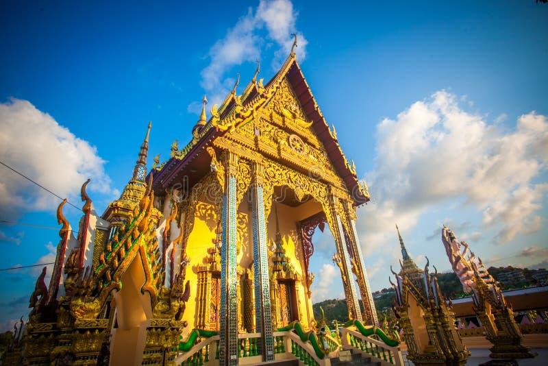 Templo hermoso isométrico en Tailandia en la KOH foto de archivo
