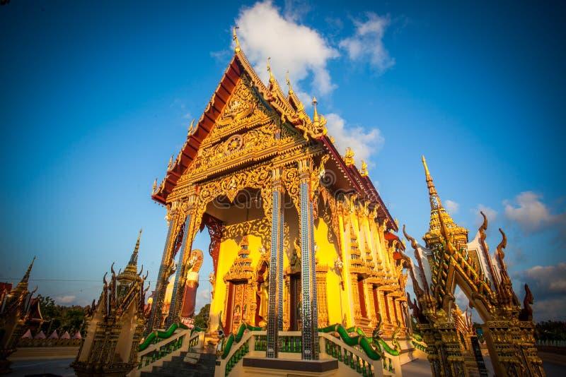 Templo hermoso isométrico en Tailandia en la KOH fotos de archivo