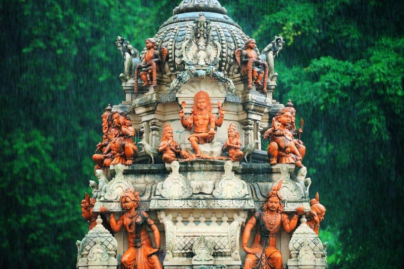 Templo hindú cerca de la cueva de Batu, Kuala Lumpur, Malasia fotos de archivo