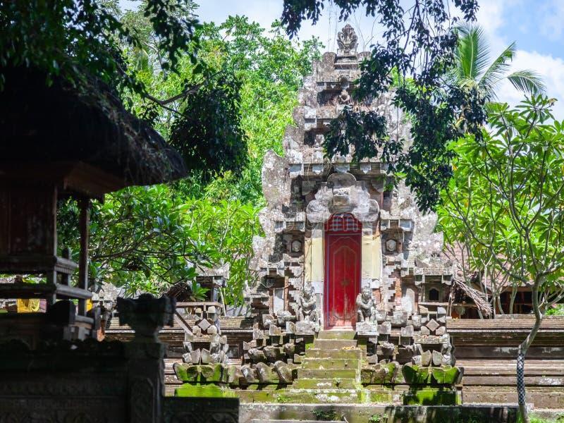 Templo hindú de piedra histórico en Bali, Indonesia fotos de archivo