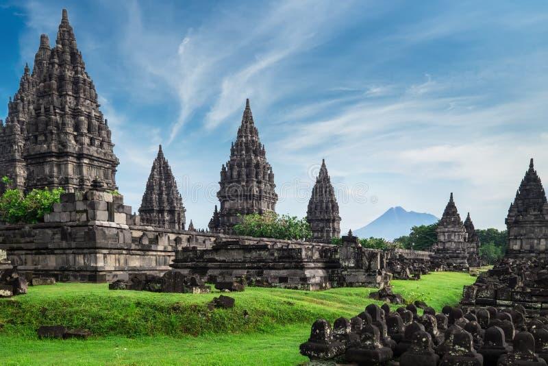 Templo hindú de Prambanan Java central, Indonesia imagen de archivo