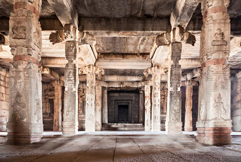 Templo hindú interior imagenes de archivo