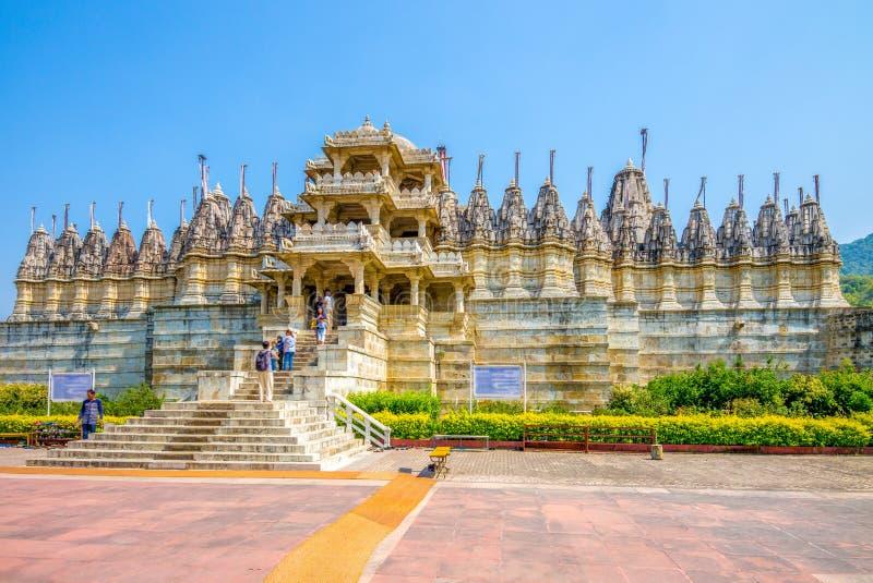 Templo Jain de Ranakpur en Rajasthán, la India imagen de archivo libre de regalías