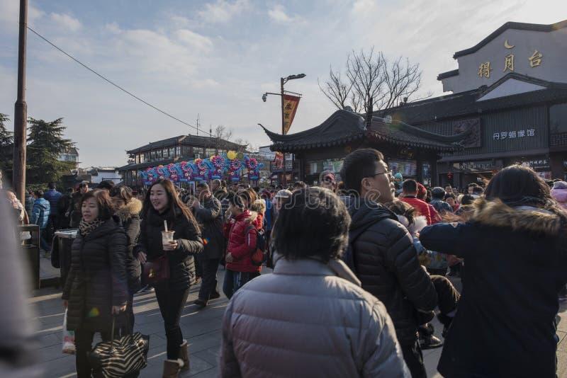 Templo lunar chino de Nanjing Confucio del Año Nuevo de turistas imágenes de archivo libres de regalías