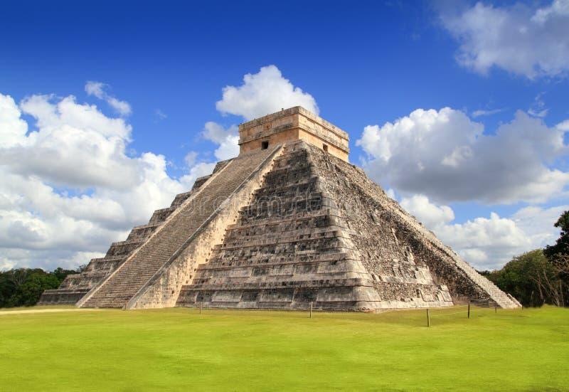 Templo maia antigo México da pirâmide de Chichen Itza fotos de stock