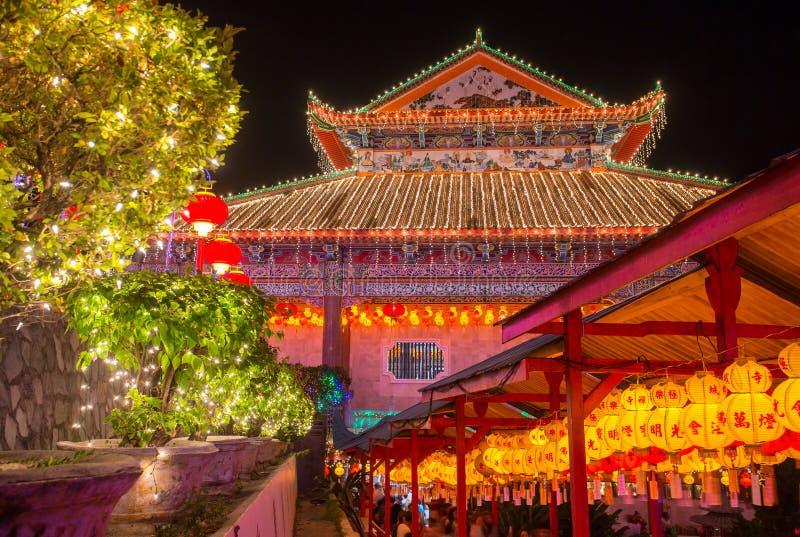 Templo maravillosamente encendido-para arriba de Kek Lok Si en Penang imágenes de archivo libres de regalías