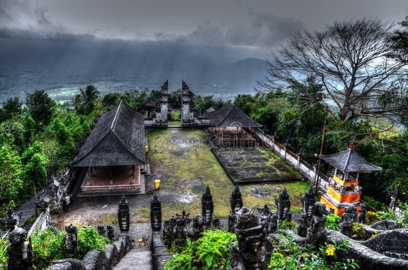Templo muito velho Pura Lempuyang de Bali fotos de stock
