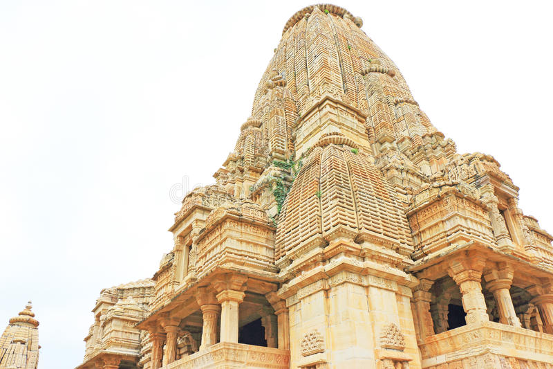 Templo no forte de Chittorgarh e em terras maciços rajasthan india imagem de stock royalty free