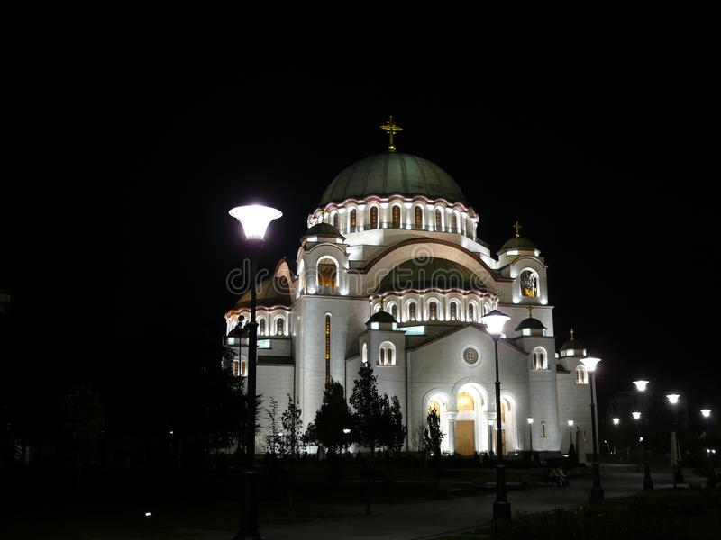Templo ortodoxo em Belgrado imagens de stock royalty free
