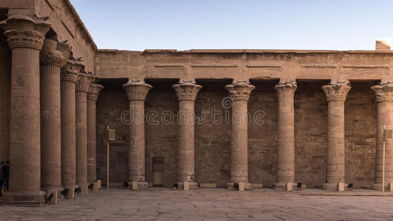Templo Ptolemaic de Horus, Edfu, Egipto foto de archivo