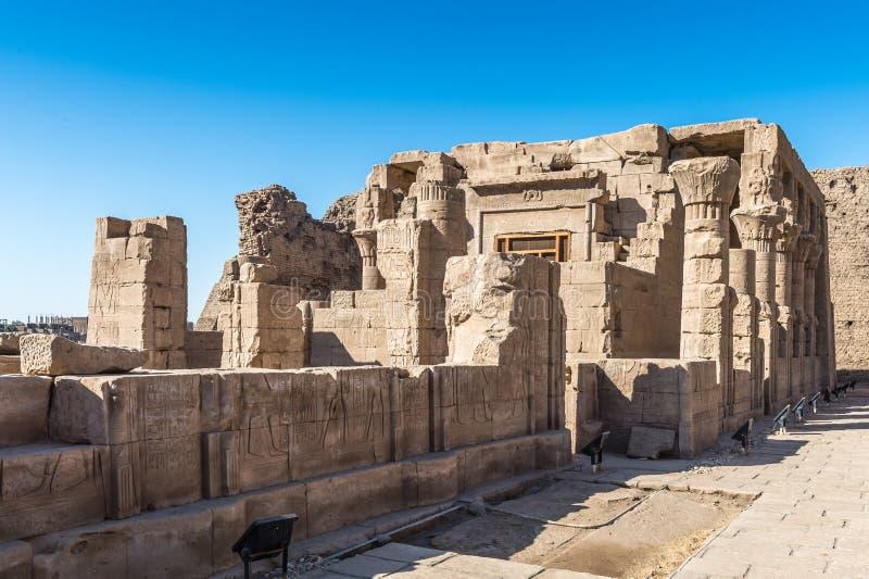 Templo Ptolemaic de Horus, Edfu, Egipto imagenes de archivo