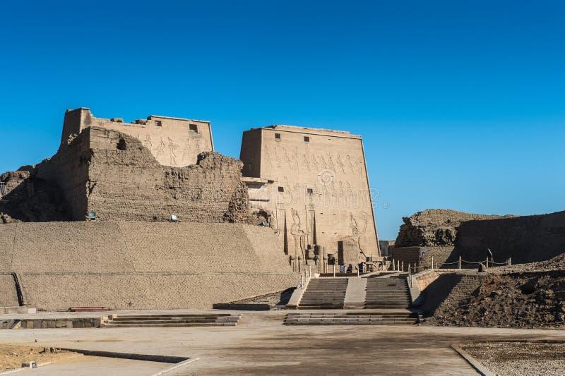 Templo Ptolemaic de Horus, Edfu, Egipto fotos de archivo