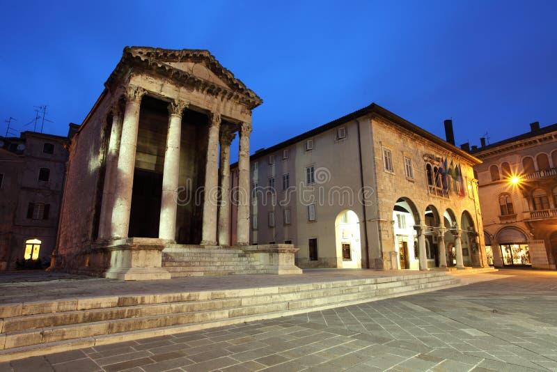 Templo romano de agosto imagens de stock