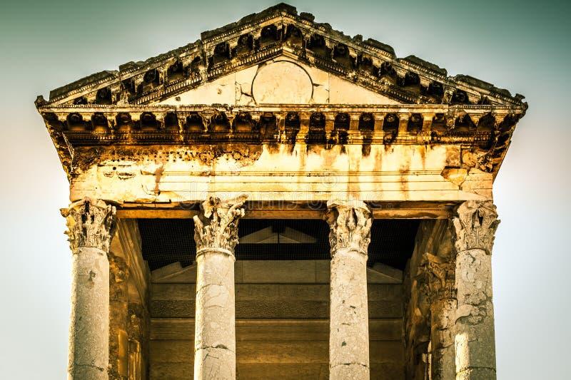 Templo romano de Augustus nos Pula, Croatia fotos de stock royalty free