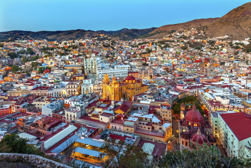Templo San Diego Jardin Juarez Theater Guanajuato México imagem de stock royalty free