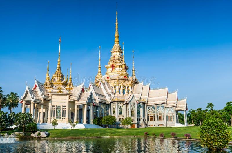 Templo tailandés del wat de la señal en Wat None Kum en la provincia de Nakhon Ratchasima fotos de archivo libres de regalías