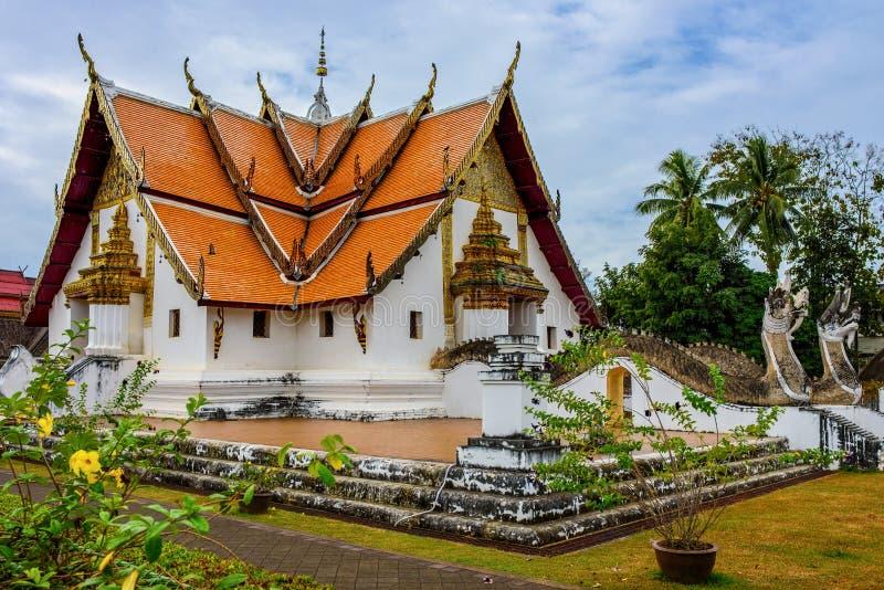 Templo tailandês em Nan Province imagens de stock royalty free