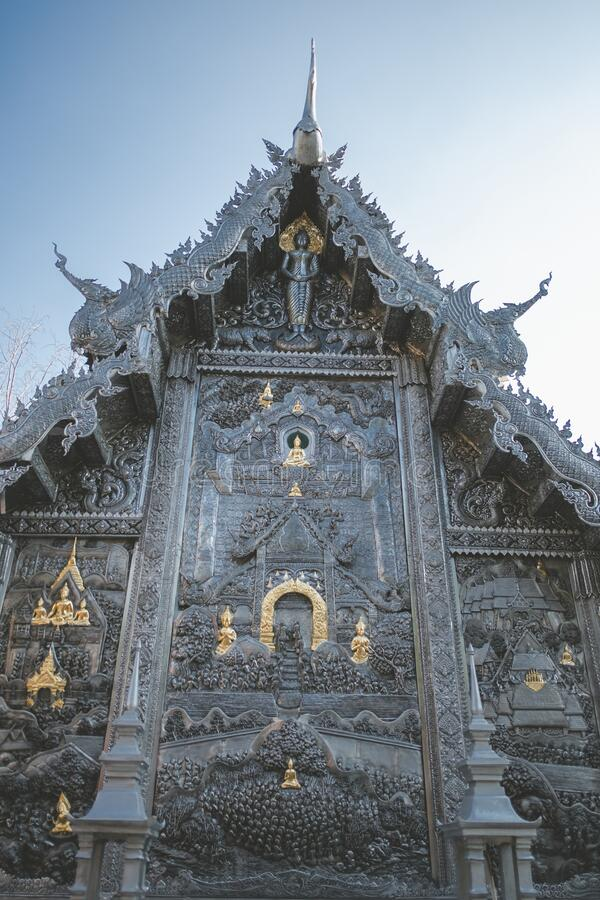 Templo Tailandês O famoso templo mármore chiangmai Tailândia Arte Tailandesa imagens de stock