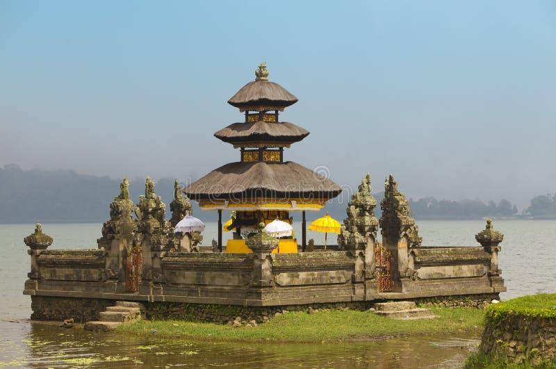 Templo Ulun Danu en el lago Beratan, Bali fotos de archivo libres de regalías