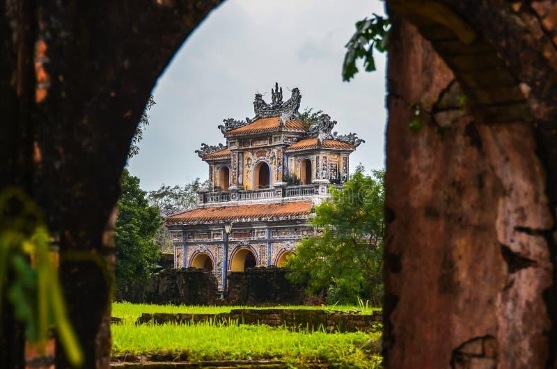 Templo velho e bonito em Vietname fotografia de stock