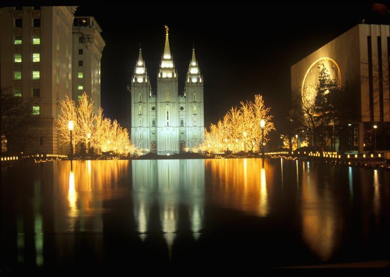 Templo y cuadrado históricos en Salt Lake City en la noche, durante 2002 olimpiadas de invierno, UT fotos de archivo libres de regalías