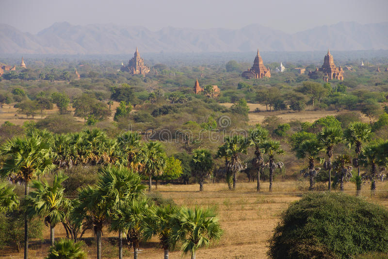 Templos antigos e stupas imagens de stock
