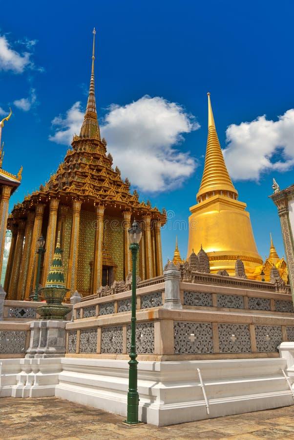 Templos em Wat Phra, Banguecoque, Tailândia imagens de stock royalty free