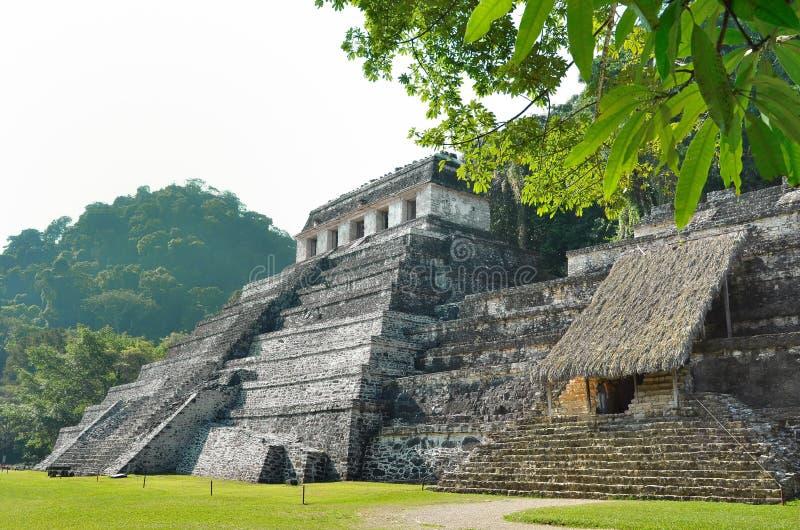 Templos mayas antiguos de Palenque imágenes de archivo libres de regalías