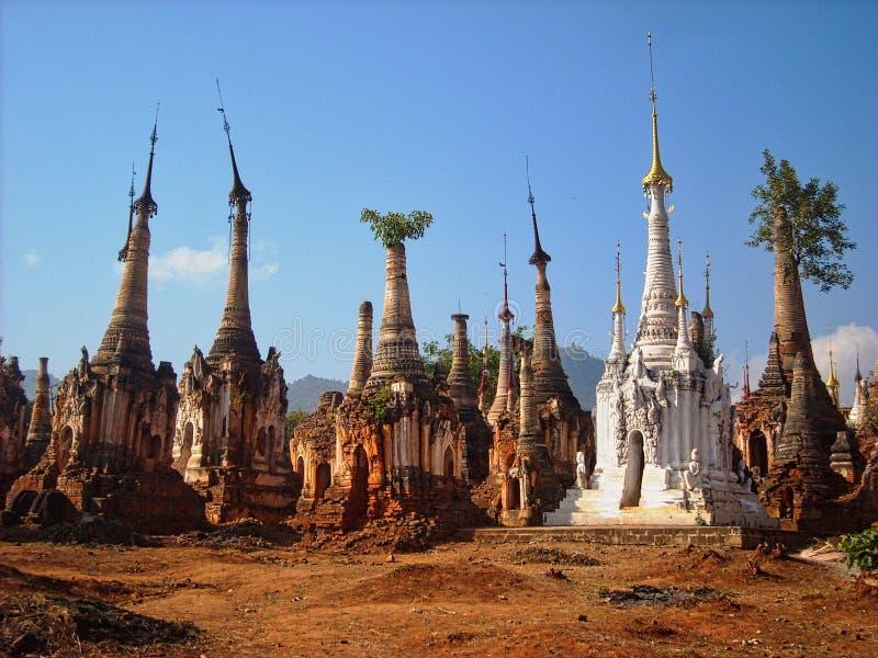 templos viejos en Birmania en Vietnam foto de archivo